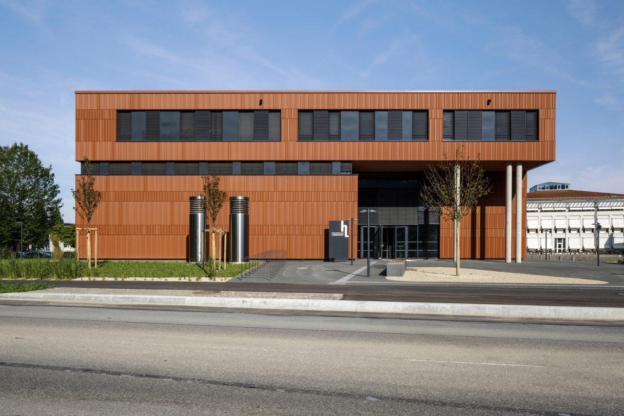 Hörsaal- und Verwaltungsgebäude